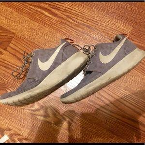 Grey Nike Roshe One